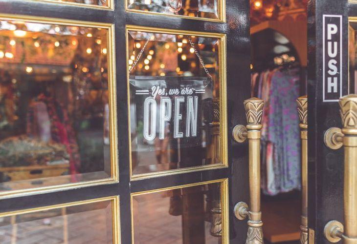 open shop corona lockdown covid19 heropening heropstart klanten trafiek winkel